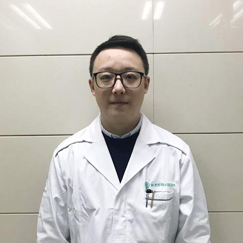 杨骑宠物医生
